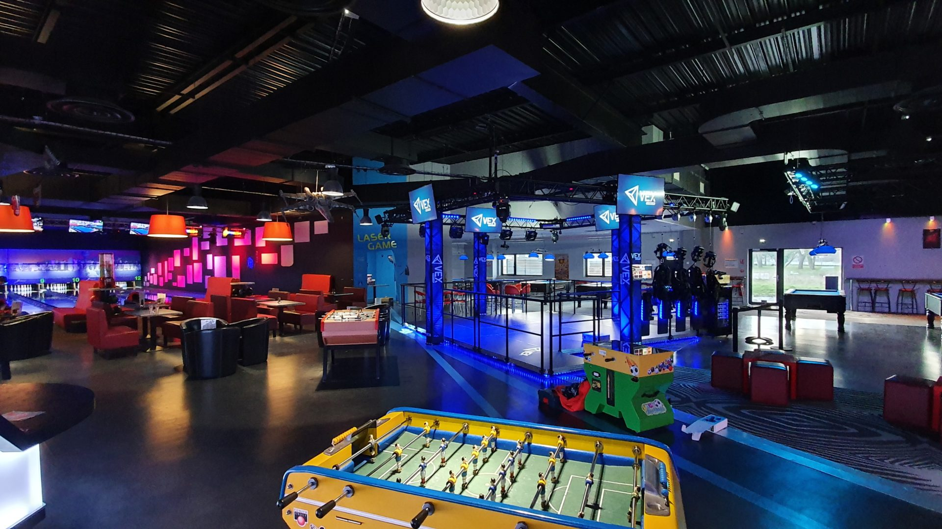 VEX Adventure fits really well in FECs, Bowling and other LBE venues